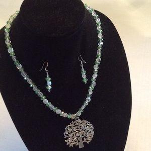 Jewelry - Lightweight summer necklace & earring set